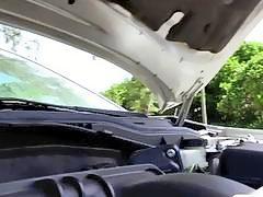 Ebony babe Jamie Marleigh fucks in the backseat