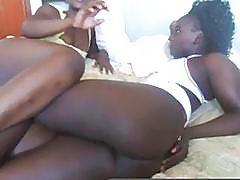 Horny african girls getting kinky